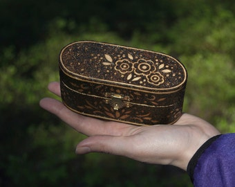 Beautiful burned jewlery box