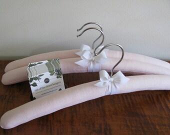 Linen Hangers, Padded Hangers, Pink Linen Hangers, Bridesmaid Hangers, Covered Hangers, Linen Wedding Hangers, Clothes Hangers