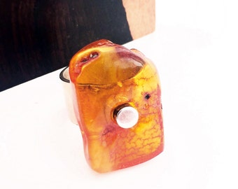 Unique Baltic Amber Ring, size: 7 to 7.5