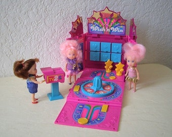 Wish World Kids Grin N Win TV 1988 Playset with Shari Doll, Claudia doll and Trina doll. Kenner