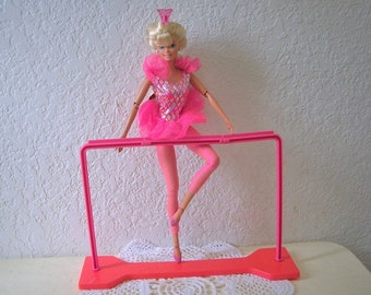 Twirling Ballerina Barbie Doll with Workout Bar,  Complete. 1995