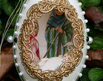 Vintage Duck Egg Shell Christmas Diorama with Jewels Jeweled Scene Fabergé Style - Velvet Green and Pearls