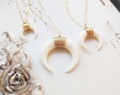Dainty Double Horn Necklace, Downward Facing Crescent Necklace, Layering Necklace, Moon Necklace, Wire Wrapped Horn, Carved Bone Necklace