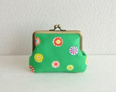 Frame purse - retro floral coin purse in Green