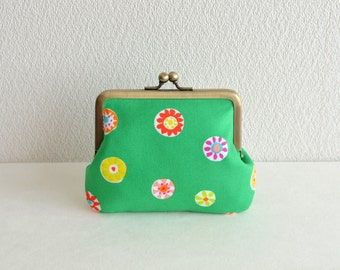 Christmas sale!  Frame purse - retro floral coin purse in Green