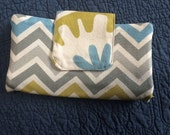 Oversized Wallet chevron and links