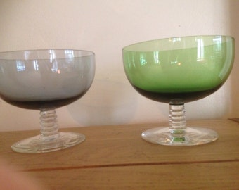 One pair of pretty coloured vintage desert bowls