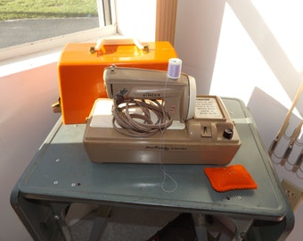 Singer SewHandy in Box, Sewing Machine, Vintage Sewing,Electric Sewing Machine, Youth Sewing