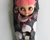 Blythe Doll Hammock - Black Kimmi Doll