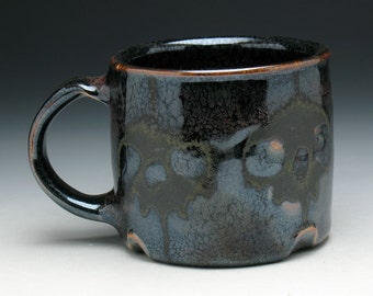 Skull Coffee Mug in Bronze & Metallic Black Glaze