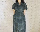 Flash SALE 40 to 22!! 1950s Plaid Pinup Dress//50s Green Tatran Peter Pan Collar Dress// 1950s Vintage VLV Dress