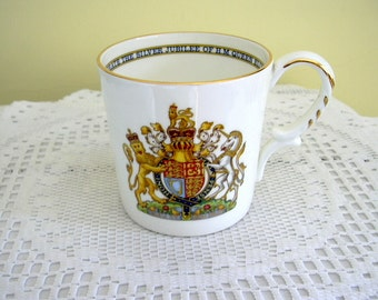 1977 Vintage Queen Elizabeth ll Silver Jubilee Aynsley China Mug Commemorative Kings and Queens of England