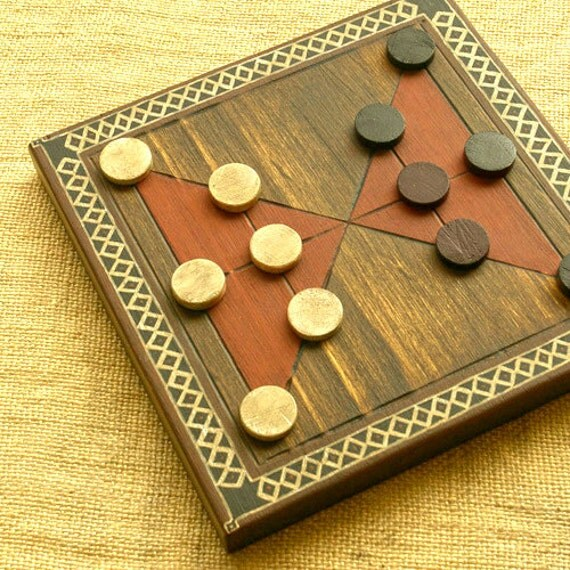 ANCIENT BOARD GAME  - Woodwork - Art - Handmade - Decoration - Gift - Wedding gift - Christmas gift: Felli (Morocco)