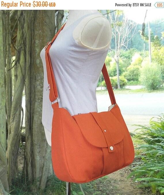 Summer Sale 10% off orange cotton canvas purse / shoulder bag / messenger bag / everyday bag / diaper bag / cross body bag - 6 pockets