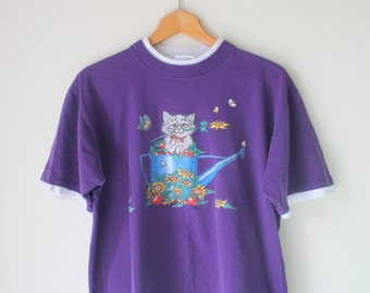 Vintage CAT Tee Tshirt...size medium large one size free size womens...flower. kitsch. retro. cat. kitten. meow. animal lover. purple. 1980s