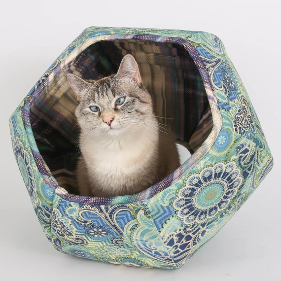The cat ball cat bed made in mermaid colors turquoise blue - Bed made of balls ...