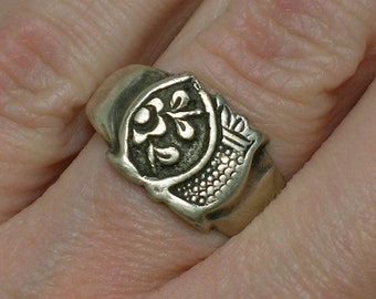 Antique Chinese Silver Ring, Floral Motifs. Size 6 (adjustable)