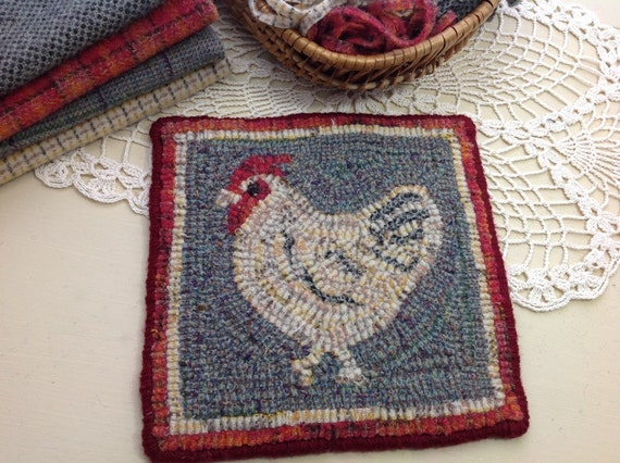 "Rug Hooking PATTERN, Chicken Mat, 8"" x 8"", P102, Folk Art Chicken Design"