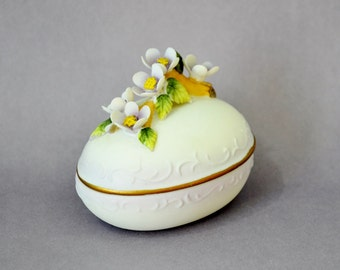 Vintage Lefton Egg Trinket Box Easter Spring Decor White Lavender Purple Yellow Flowers Porcelain China Ceramic