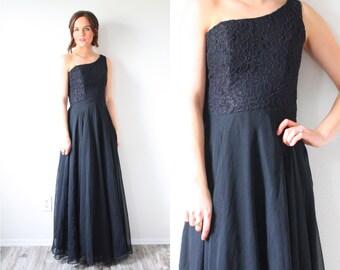 Vintage black lace maxi off the shoulder evening dress // long chiffon gown gown // little black dress // one shoulder maxi dress // lace