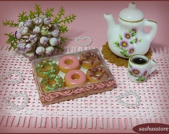 Miniature box with donuts, miniature food, 12th scale dollhouse miniature