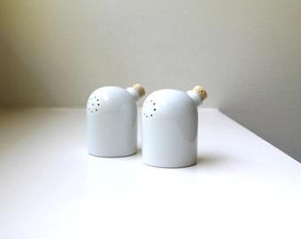 Mid Century Mod Salt & Pepper Shakers Pots Porcelain Toscany Japan