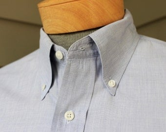 vintage 1980's -Land's End- Men's Button down collar, long sleeve shirt. Blue Chambray - Split yoke. Made in Hong Kong. Large 16 1/2 x 33