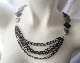 Black and White Necklace ./. Agate with Pattern ./. Agate and Chains ./. Reworked Jewelry ./. Black and White Stones ./. Dark Necklace