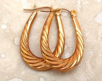 Vintage 14K Gold Elongated Ribbed Oval Hoop Pierced Earrings