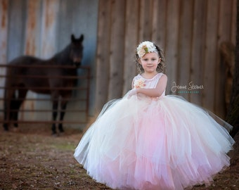 Beatrice Dress , Fully lined Tulle Dress, Custom Colors and design, Perfect for weddings, parties and photo shoots