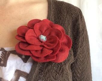 Red brooch pin in wool felt handmade