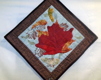 Maple leaf art quilt wall hanging