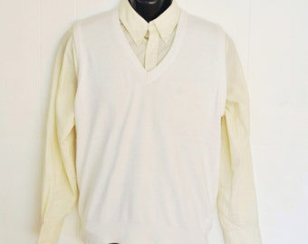Mens Sweater Vest Medium Bright White V-Neck Knit Pullover 1980's Made in USA Menswear