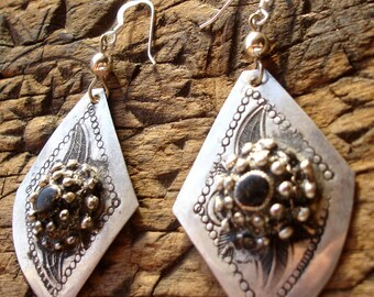 Moroccan black hand engraved diamond shape earrings with silver hooks