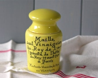 French Vintage adorable Sandstone mustard pot Maille from the 1960s. french vintage Yellow mustard