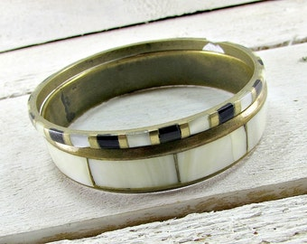 Vintage INDIAN Brass Bangle Bracelet Set, Mother of Pearl Shell Bangles, Wide & Thin Boho Bangles, Hand-Made in INDIA, 1970s Tribal Jewelry