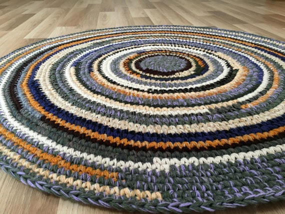 Hand crochet wool rug in beautiful color mix, 39 inches in diameter