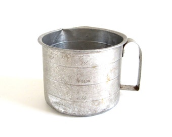 Aluminum Measuring Cup 2 Cups Food Photography Prop Old Metal Measuring Cup