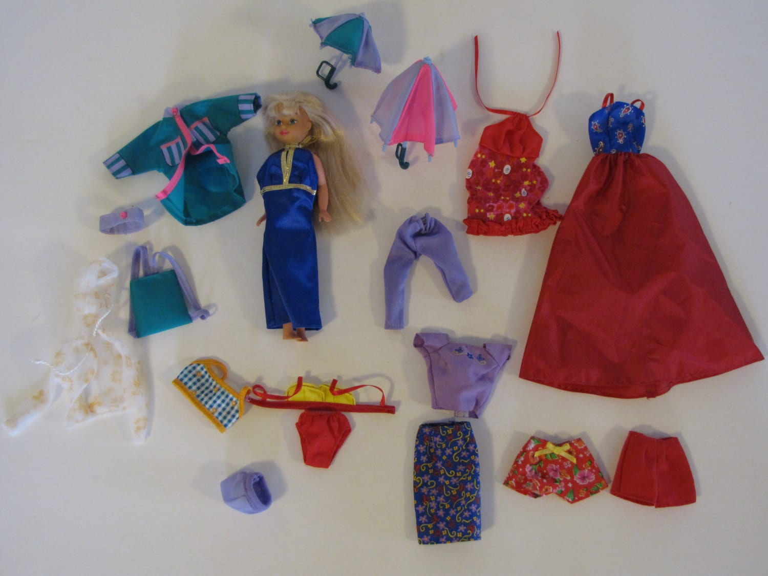 vintage lot of skipper clothes and one skipper doll