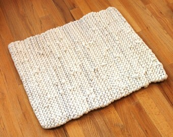 Cream & White Rag Rug Upcycled T Shirt Cottage Chic Minimalist Modern Artisan Bath Mat Apartment Size 20x24 --US Shipping Included