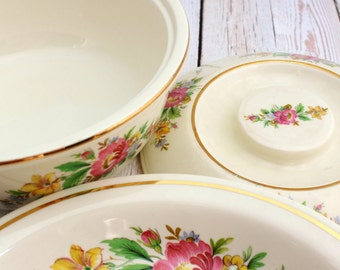 Homer Laughlin  Virginia Rose Srping Wreath  Covered Casserole and Matching Pie Plate, Homer Laughlin China, Spring Wreath Casserole, Floral