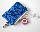 Woman's key chain coin pouch padded gadget change purse in chevron zig zag triangle print in two tone blue.
