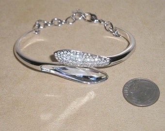 Vintage Swarovski Rhodium Plated Bracelet With Clear Rhinestones And Large Cut Crystal With Box Early 1990's Signed Jewelry 4
