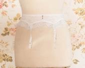 """Vintage 1970s White Lace Garter Belt, Suspender Belt. Circumference: 26 - 27"""""""