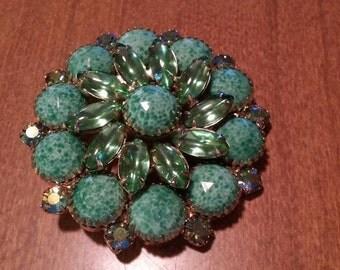 Gorgeous Vintage Aurora Borealis Green Stone Brooch Pin Jadeite Peking Glass
