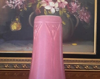 ROOKWOOD POTTERY Vase Arts & Crafts Era Shape #2320 Pink Incised Design XIX 1919 Usa Made Collectible Pottery