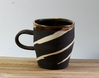 Black Yunri-mun Coffee Mug, Stoneware Coffee Mug with Marble design, Marbled Coffee Mug, Handmade Pottery Mug