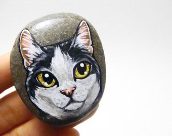 Manx Cat Painting, Pet Portrait, Hand Painted Rock Art, Beach Stone, Black White Cat, Memorial Stone, Home Decor, Handmade Paper Weight