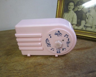 Vintage Pink Wind Up Nursery Radio / Music Box. Wind Up Radio.