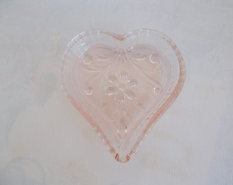 Antique Vintage Pink Depression Glass Jeannette Windsor Heart Ring Dish Doric Pattern Romantic Shabby Chic Cottage French Country Home Decor